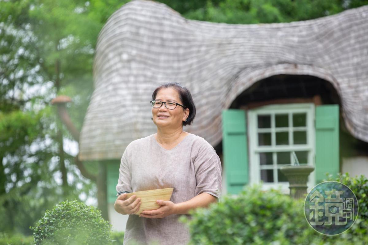 「童話屋」與「何留」的女主人蔡雪雲,平日是園區最忙碌的園丁。