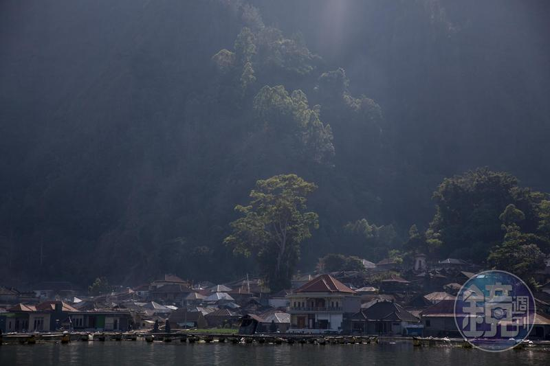 進入生死邊境 峇里島天葬村