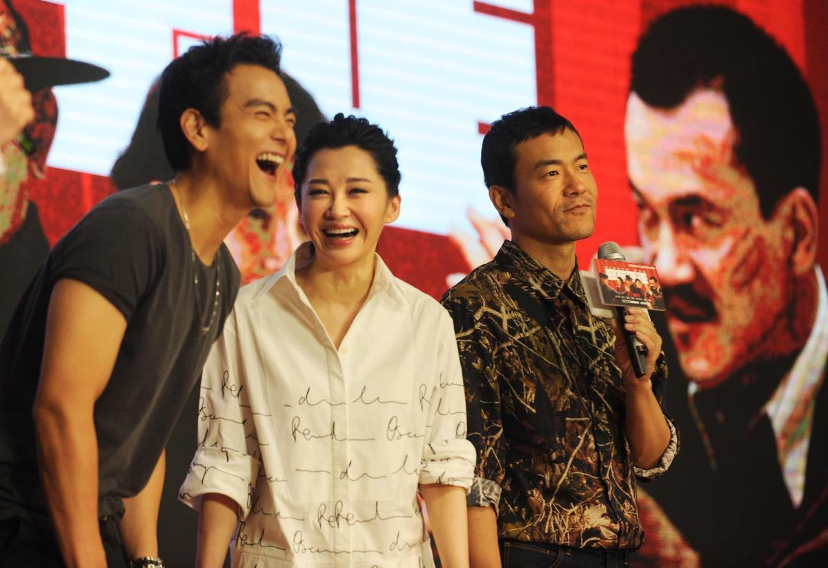 彭于晏與許晴合拍電影《邪不勝正》,片中有不少曖昧對手戲。圖為共同出席電影宣傳。(東方IC)