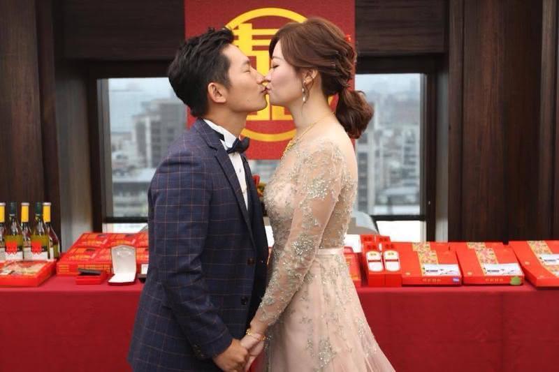 蔡昌憲娶某循傳統禮 溫馨訂婚宴曝光