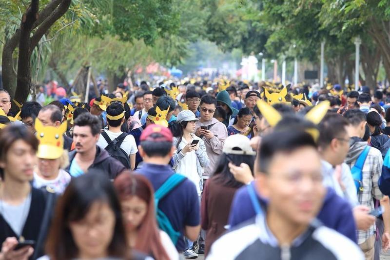 圖/台南市府提供  稀有怪大爆發!台南寶可夢盛會 首日十萬人參與