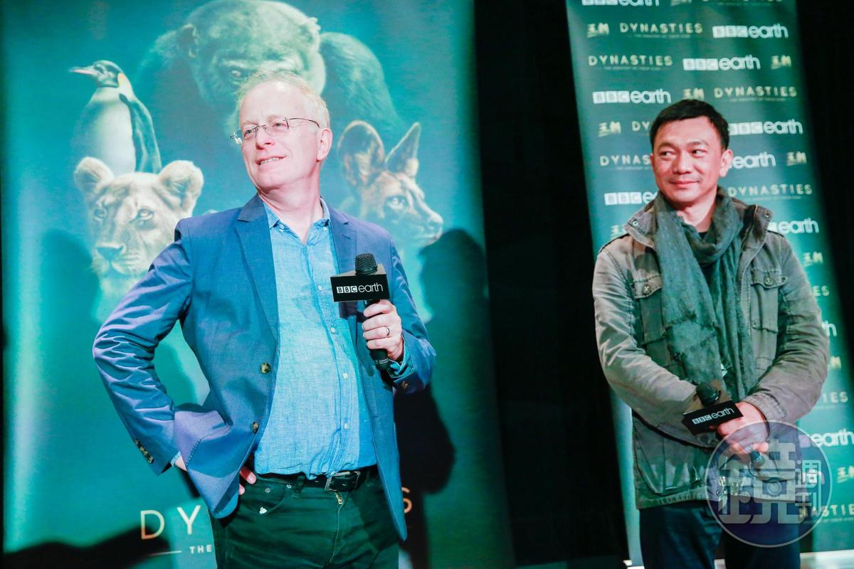 出身拍紀錄片的黃信堯,與紀錄片大師邁可岡頓私下也交流了不少心得。