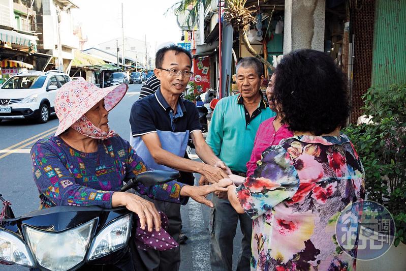 陳永和拿女兒嫁妝費參選 歐巴桑自製果醬布巾籌錢