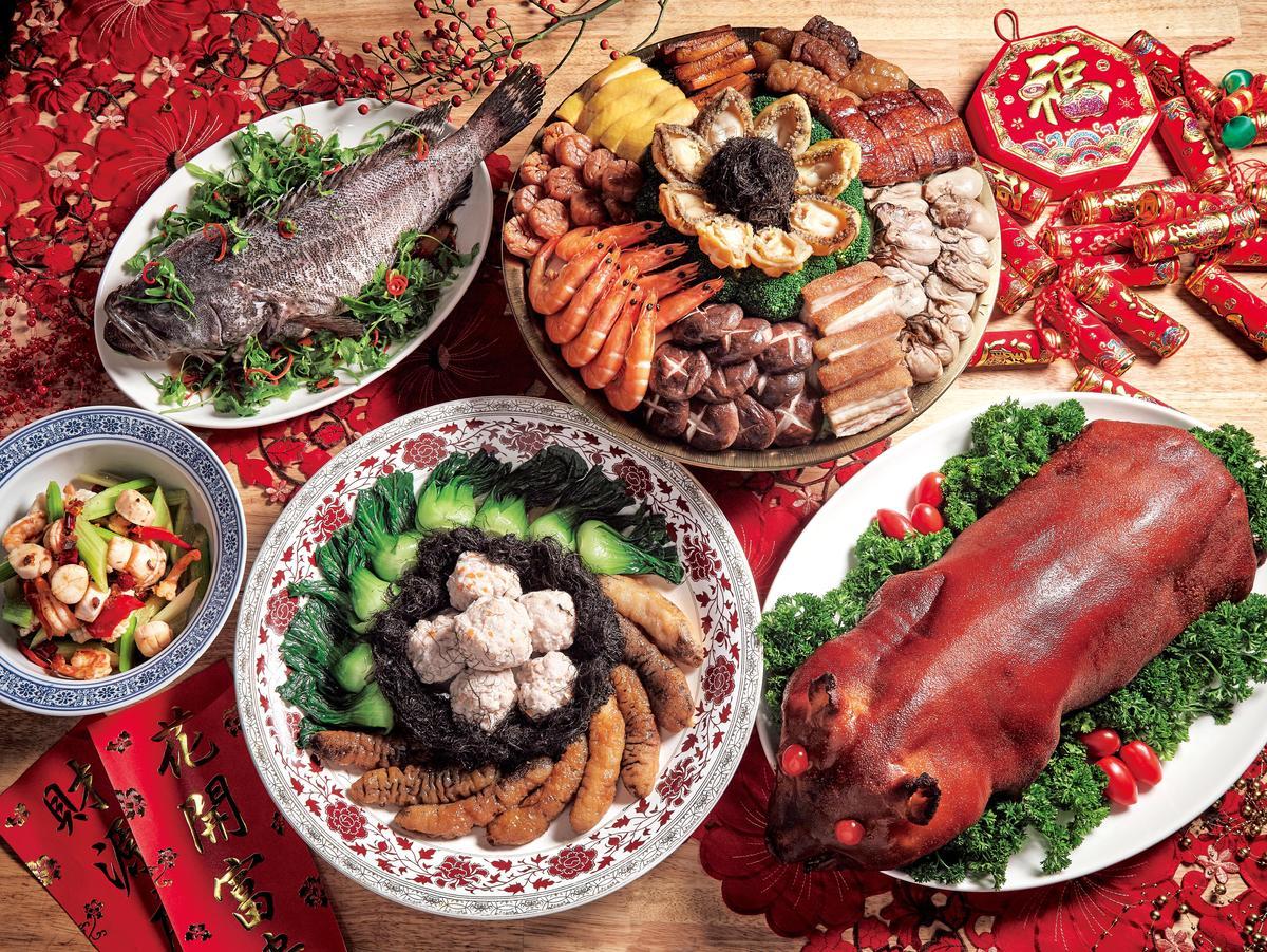 過年大家習慣返家圍爐,搭配油炸勾芡等高熱量的年菜,一不小心熱量就破表。(東方IC)