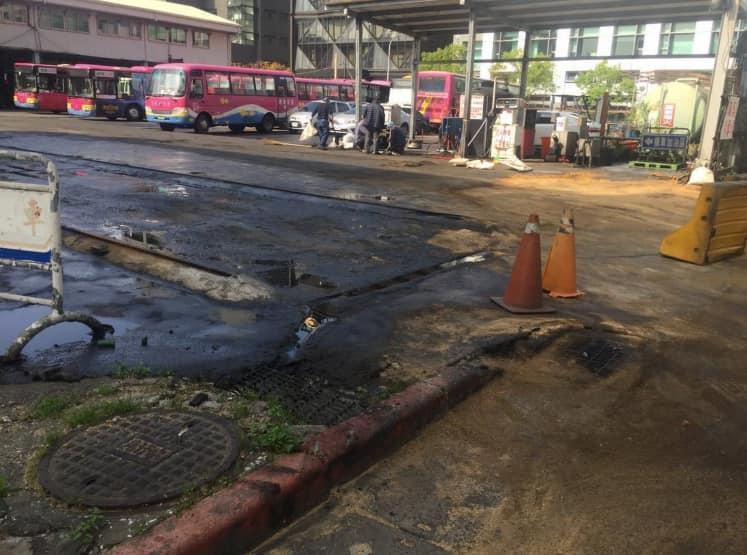 客運加油站爆漏油汙染 黃國昌:北市環保局未調查