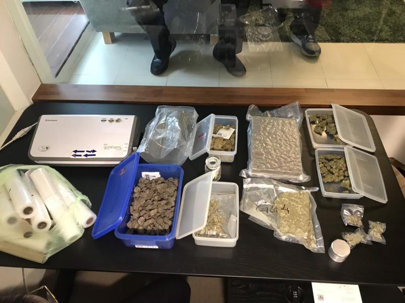 圖/警方提供 警掃大麻毒窟 驚見明星高中學生藥頭