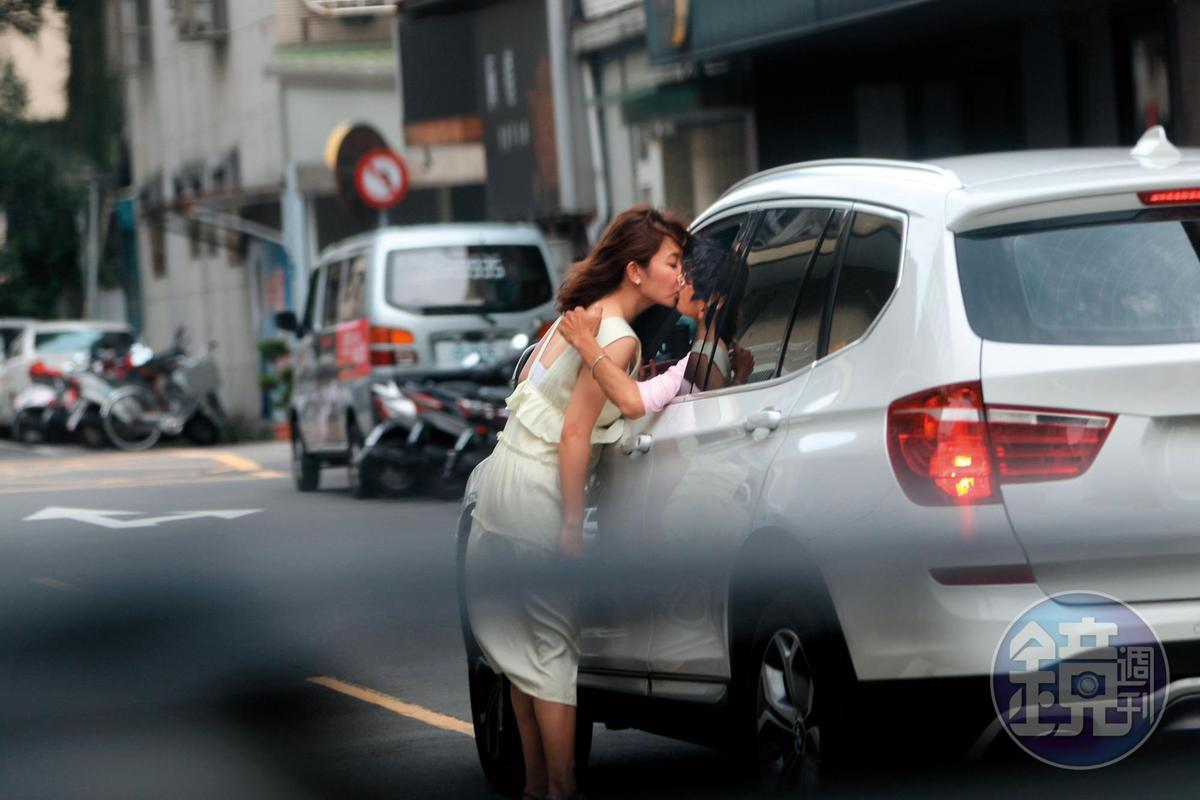 謝忻、阿翔的激情車吻轟動全國,也讓兩人成為眾矢之的。