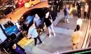 圖/鏡週刊 百餘人街頭亂鬥 連千毅「麻吉」口述還原血腥之夜