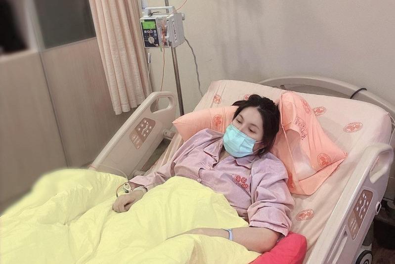 圖/鏡週刊 余苑綺長8顆腫瘤 李亞萍心疼女兒需抗癌治療一年半