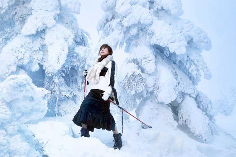 藏王溫泉滑雪場-日本知名滑雪勝地,擁有罕見的白銀樹冰。-VOGUE TAIWAN拍攝(公關圖片)
