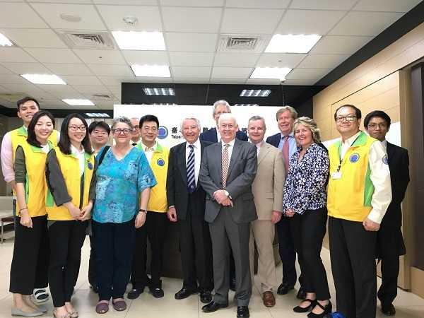 道管中心與參訪外賓合影(台北市工務局提供)