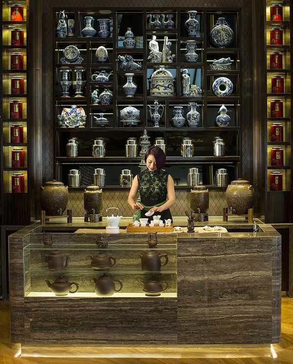 譽瓏軒提供用餐客人現沏好茶,可根據每個客人喜好、所點菜色及當天狀況做客製化搭配。