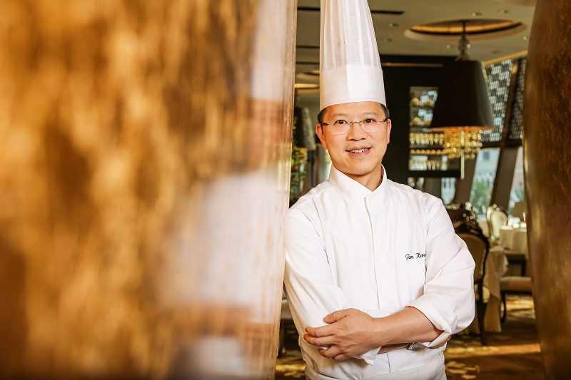 名廚譚國鋒主持的澳門「譽瓏軒」,以「東西合璧」、「醫食同源」理念受到米其林二星的殊榮認可。