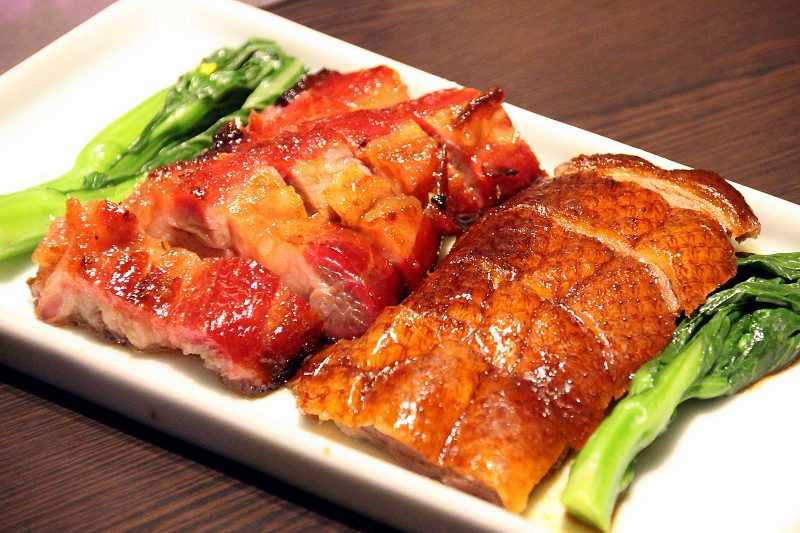 除了北方菜,喜食粵式燒臘者也能加點南廚的燒臘拼盤,一次享受南北兩種風格。