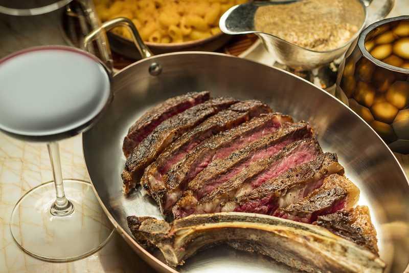永利扒房提供的美式烤牛排向來是口碑保證