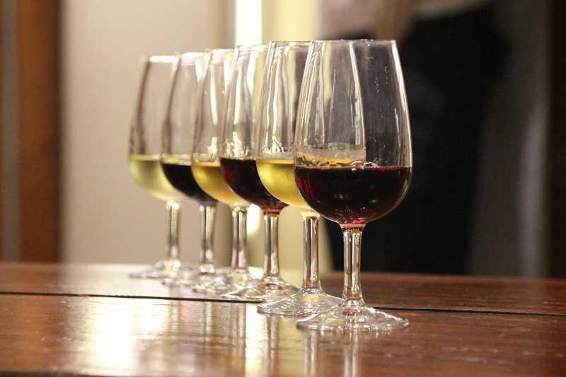 參觀完葡萄酒博物館,還可品飲當日推薦酒款。