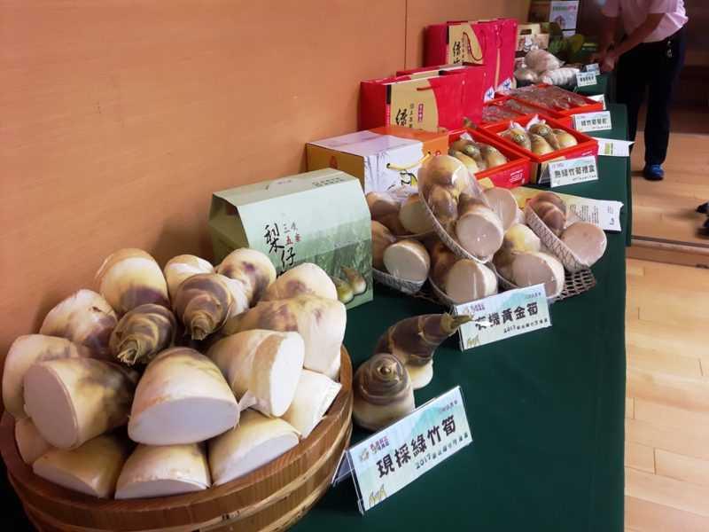 各式綠竹筍產品(蔡孟峰攝)
