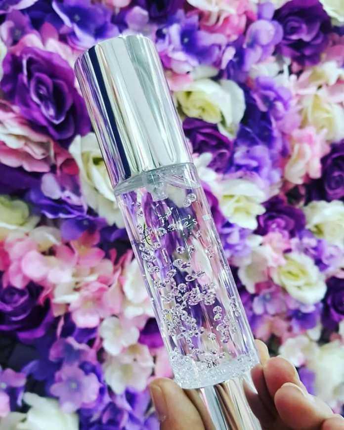 玫瑰奇蹟晶鑽精華露內含334顆晶鑽,和一顆1.3克拉的水鑽(業者提供)