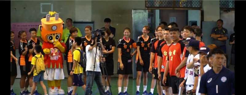 由國手級教練陪孩子們一起打球FUN暑假。