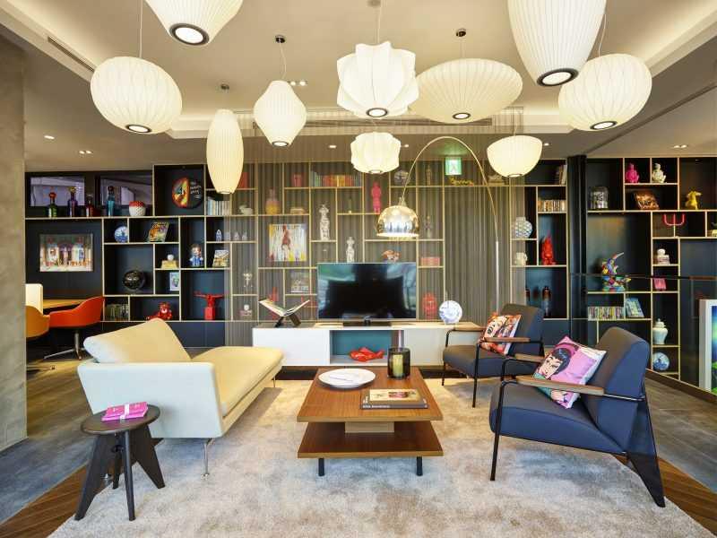 citizenM酒店台北北門提供河景與市景房型,旅客可於聖誕夜愜意在房內欣賞落日餘暉與璀璨夜景。