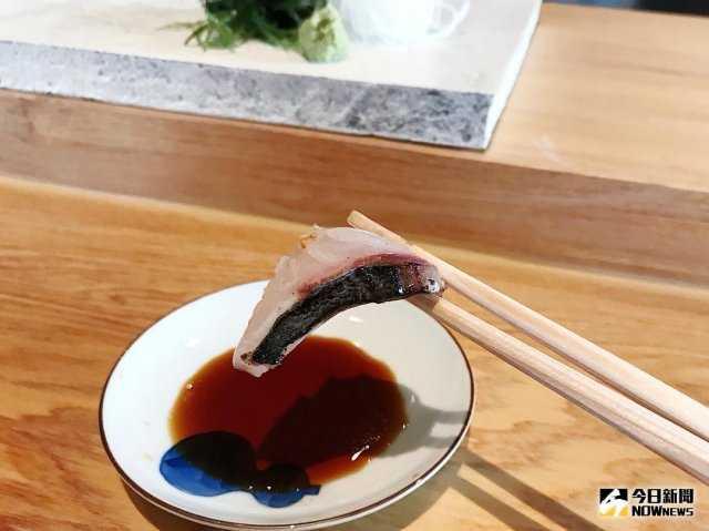 ▲白甘魚利用米麴的方式發酵 8 個小時,讓肉質更為綿密。(圖/記者賴詠璿攝)