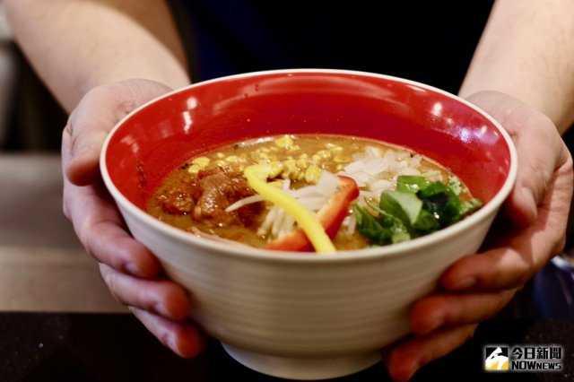 ▲台灣限定秘味噌拉麵,結合日本進口的赤味噌及黑味噌,濃香的味道讓人著迷。(圖/記者陳致宇攝 , 2018.03.05)