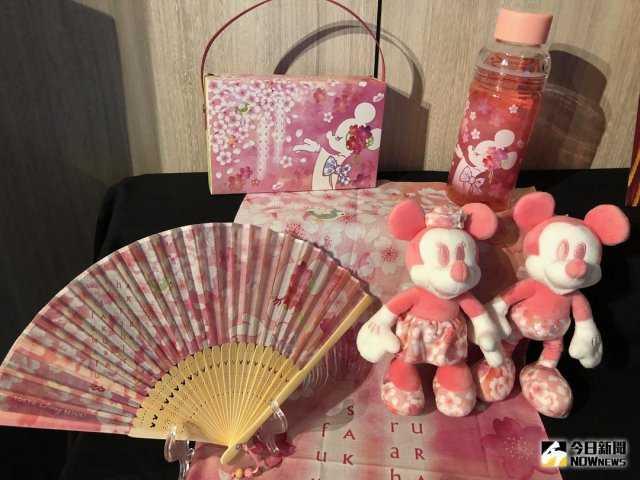▲因應櫻花季到來,同時也推出櫻花系列商品。(圖/記者陳致宇攝 , 2018.03.08)