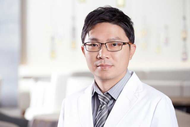 ▲群英整形外科黃志宏醫師。(圖/群英整形外科提供)