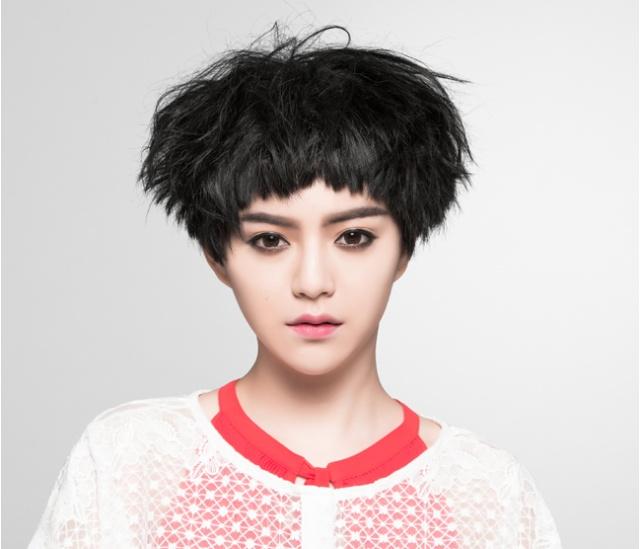 依霖 短髮