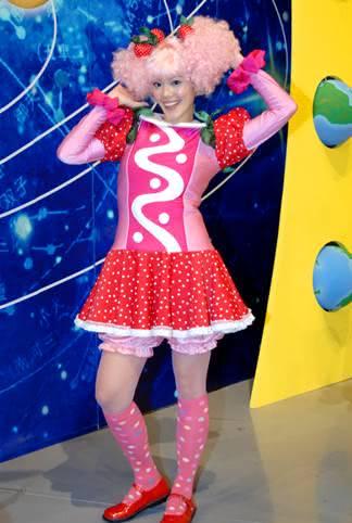 陳翊萱化身「草莓派」姐姐 幻想自己是童話裡的可愛玩偶