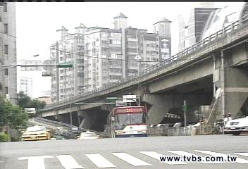 新生高架橋老化? 主結構不受影響