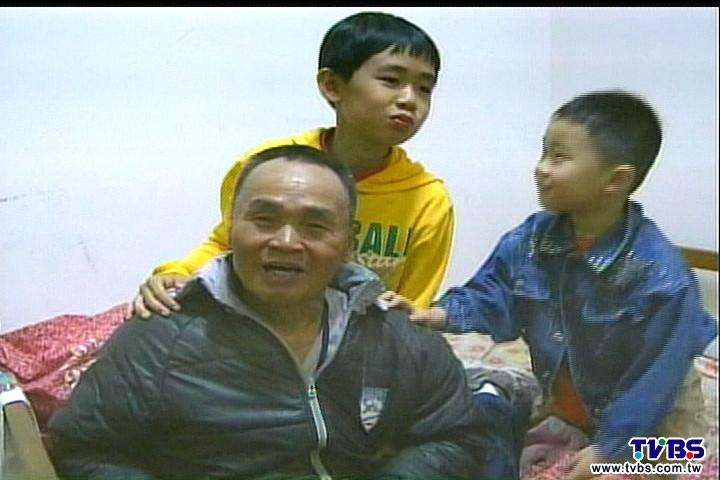 機警小4童 哈姆立克法救94歲曾祖父