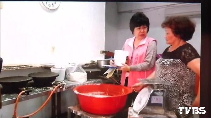 〈快訊〉潤餅皮含「吊白塊」 2工廠遭勒令停工!