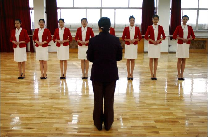【FOCUS新聞】「禮儀課」大陸正時興 花錢學禮貌儀態
