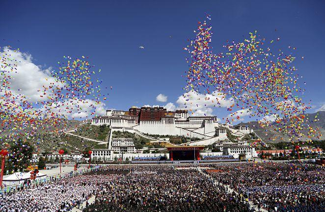 FOCUS/閱兵再一次! 西藏踢正步「自治區」50年