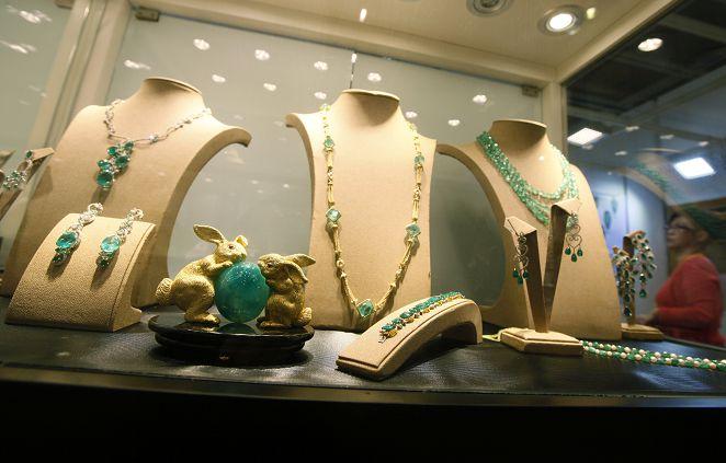 陸出土1300年「水晶項鍊」 唐代貴婦佩戴