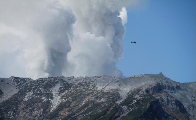 箱根火山活動頻繁 當局升級噴發警戒