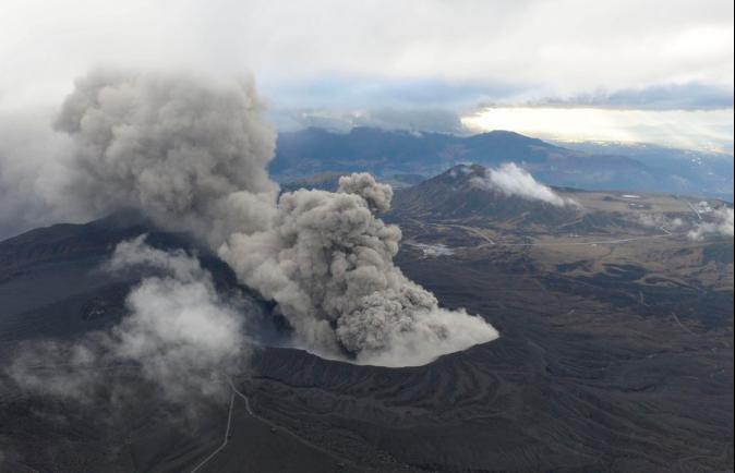 太平洋板塊影響 日本地底岩漿受水影響