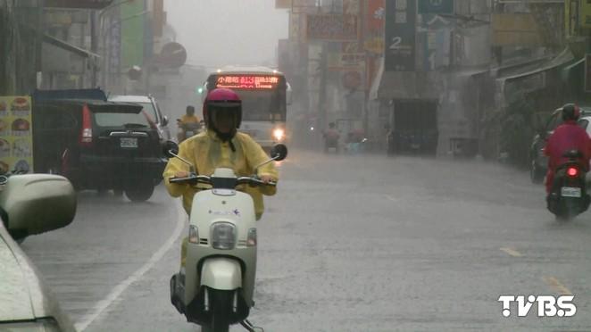 極端氣候 /極端氣候頻繁 專家:短延時降雨易致災