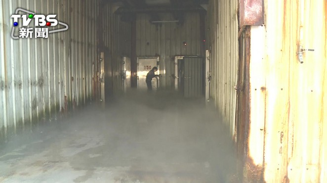 冷凍倉儲廠氨氣外洩 客戶躲冷凍庫自保
