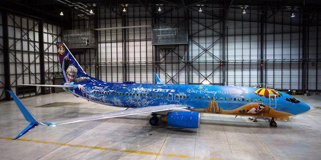 西捷航空+迪士尼 冰雪奇緣彩繪機亮相