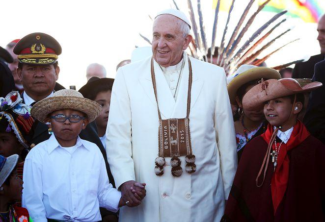 教宗訪玻利維亞 喝古柯葉茶防高山症