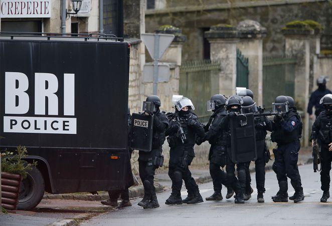 法挾持案18人質獲救 反恐部隊追緝在逃槍手