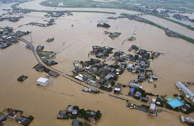 鋒面籠罩九州破記錄暴雨 萬戶居民急撤離