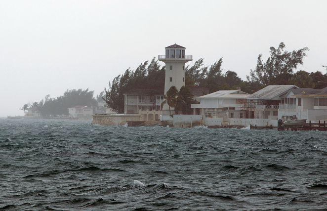 颶風華金肆虐巴哈馬 威脅美東已釀兩死