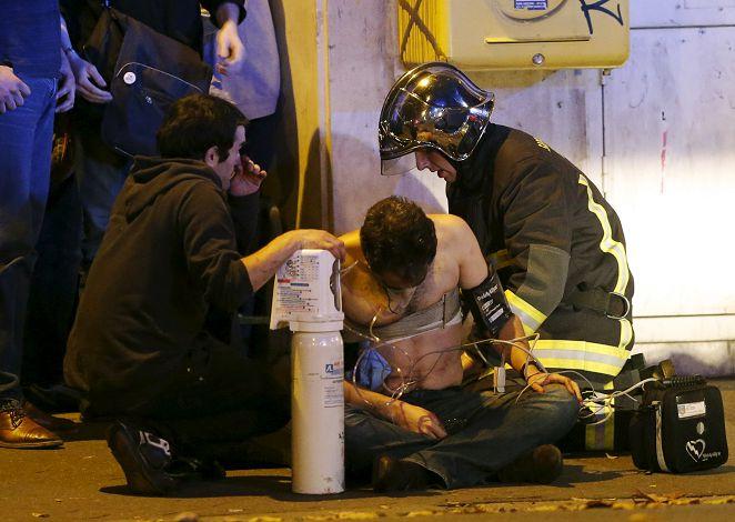 快逃!有人被炸死了 恐攻連環爆巴黎血腥一夜