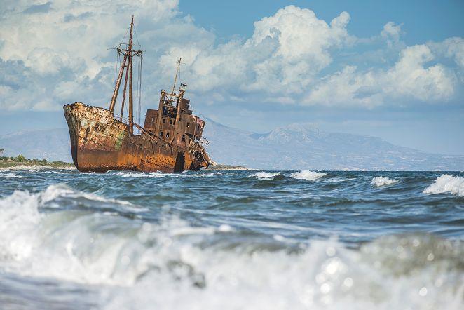 日本海頻見「幽靈船」 船內驚見白骨無頭屍
