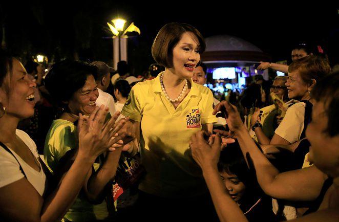 FOCUS/菲國首位變性議員 男兒變美人得票率達62%